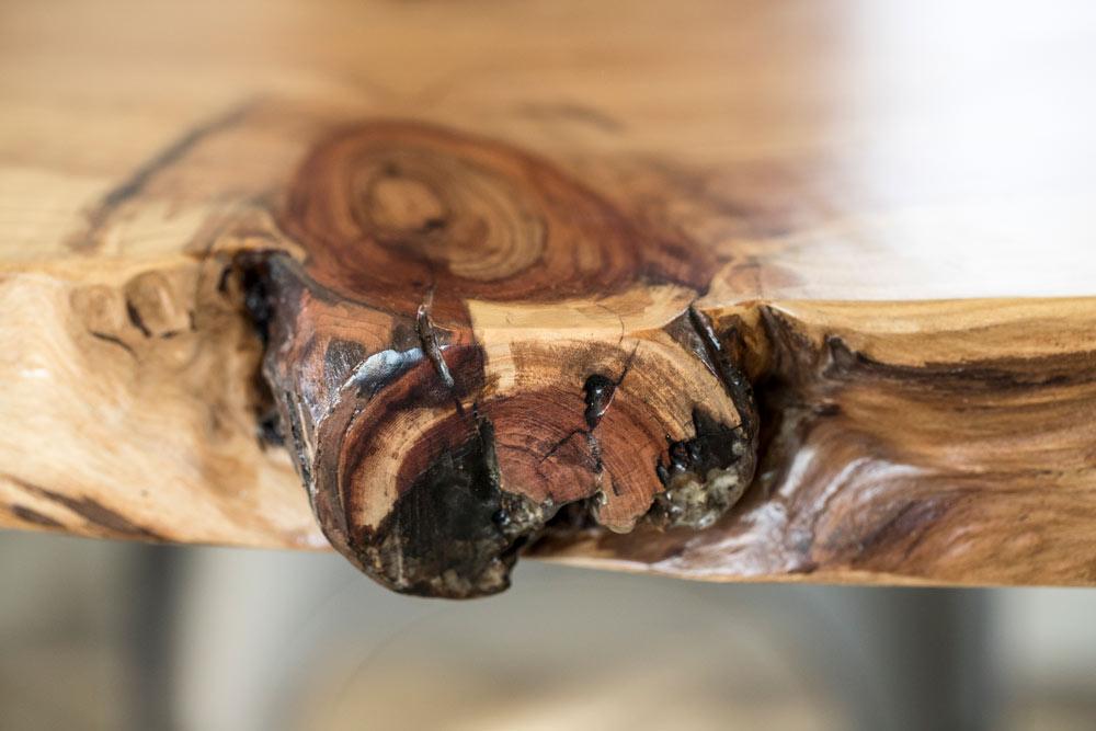 lindenroots-matte-redwood-liveedge-knot